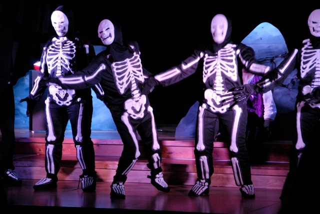 Dancing skeletons while the audience sings!