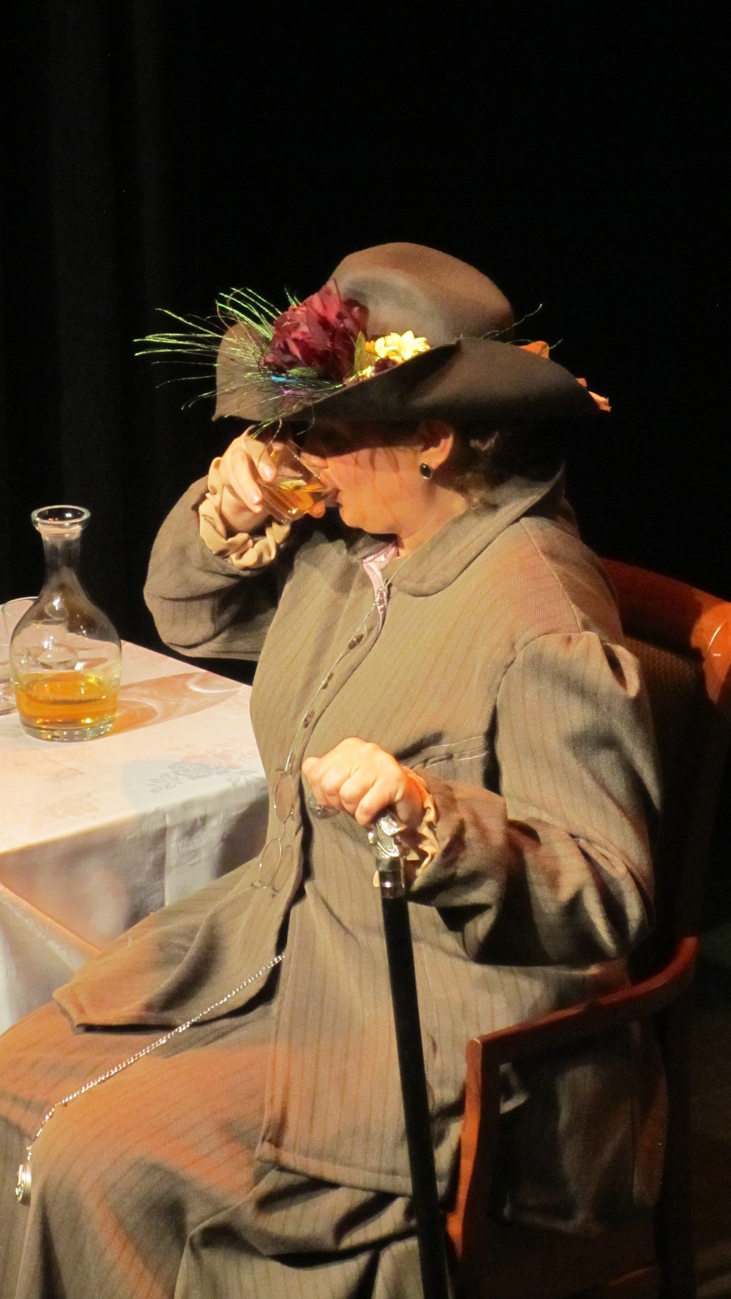 Driving Lady Bracknell to drink